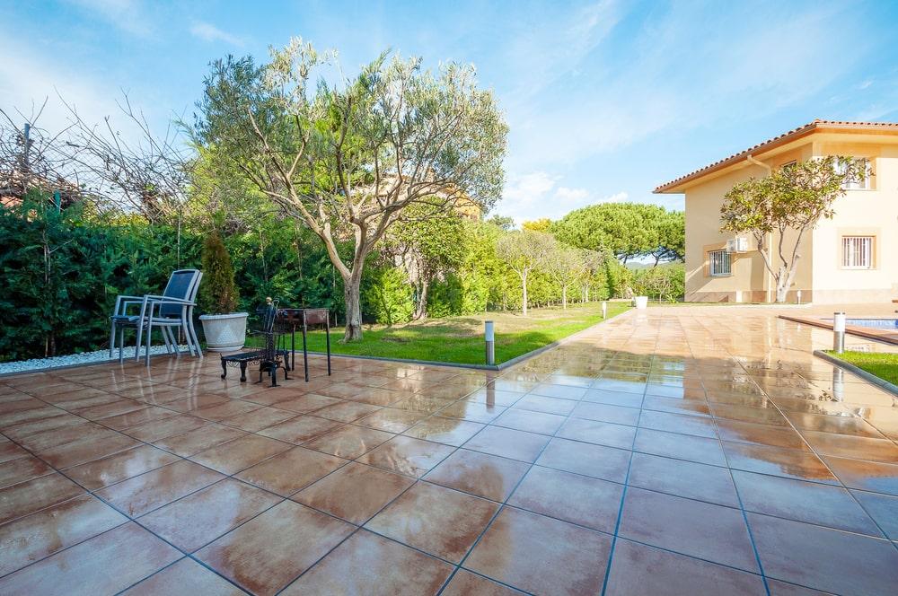 Outdoor tiles-
